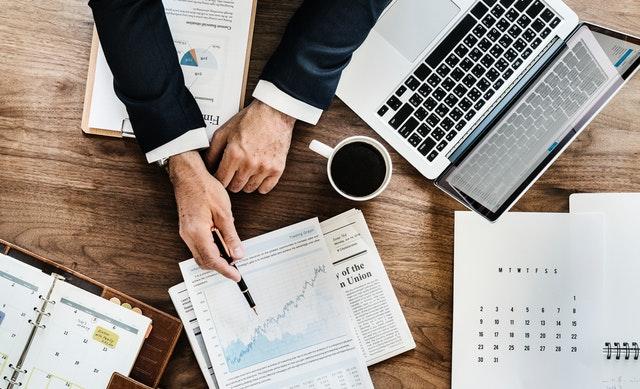 Hvad er crowdlending og hvordan kan du investere i lån?